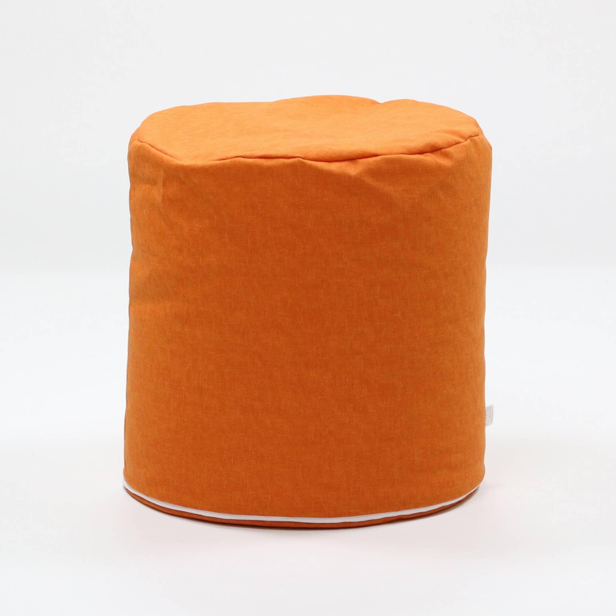 praktischer sitzsack hocker f r drinnen und drau en. Black Bedroom Furniture Sets. Home Design Ideas